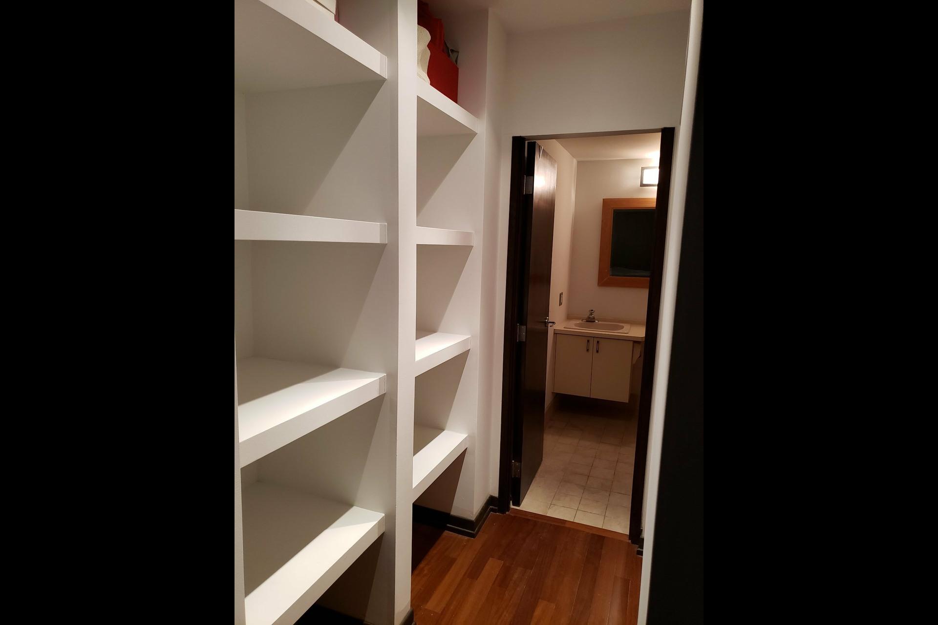 image 11 - Appartement À louer Montréal Ville-Marie  - 6 pièces