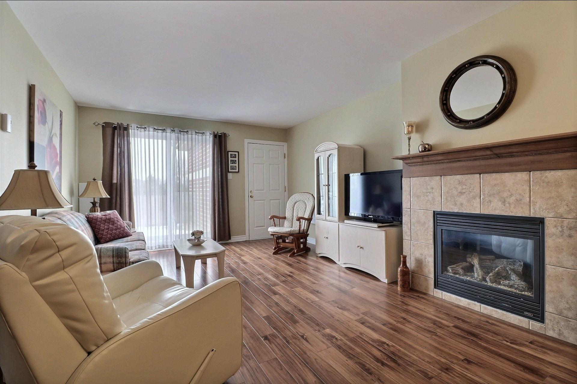 image 7 - Appartement À vendre Laval Fabreville  - 6 pièces