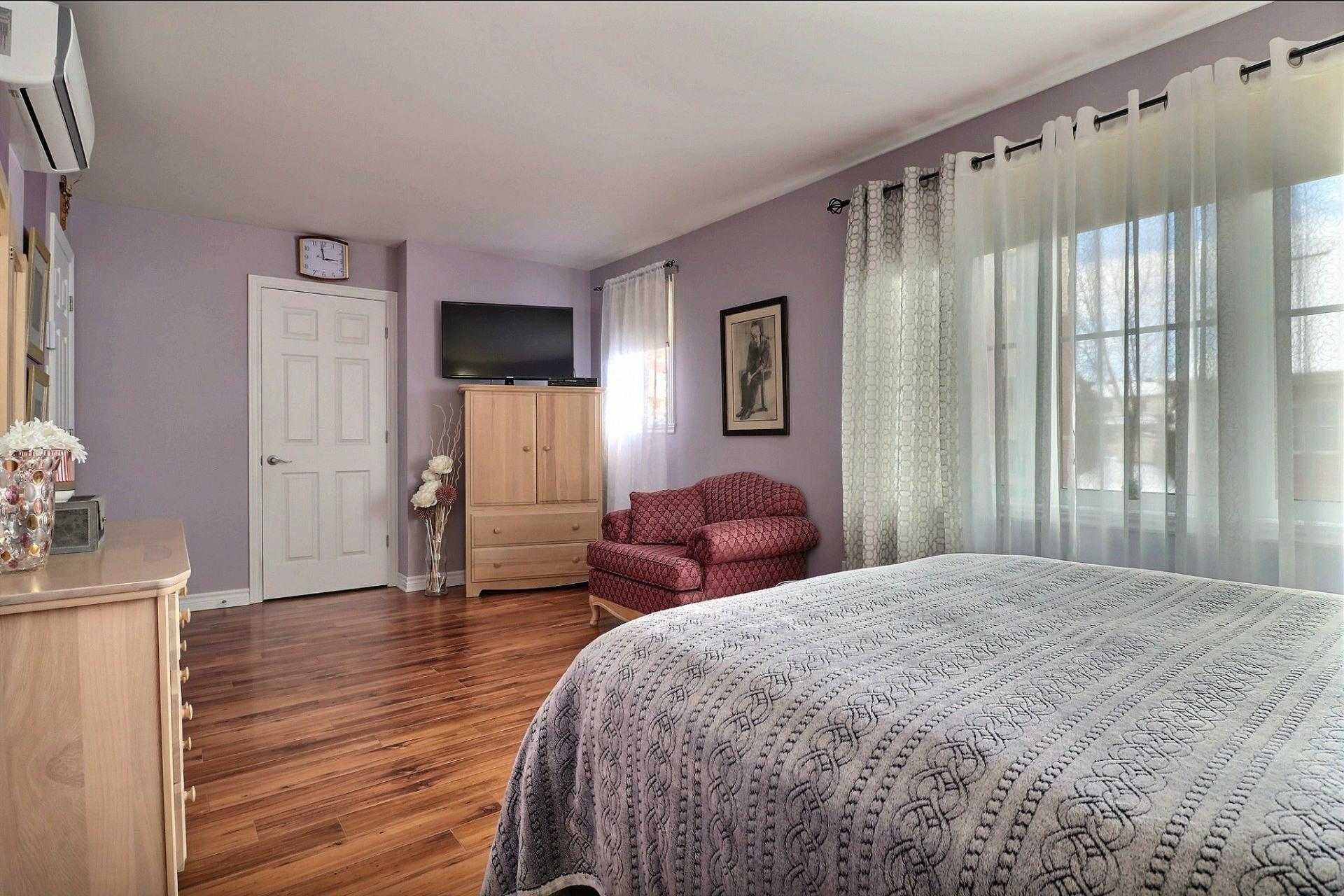 image 13 - Appartement À vendre Laval Fabreville  - 6 pièces