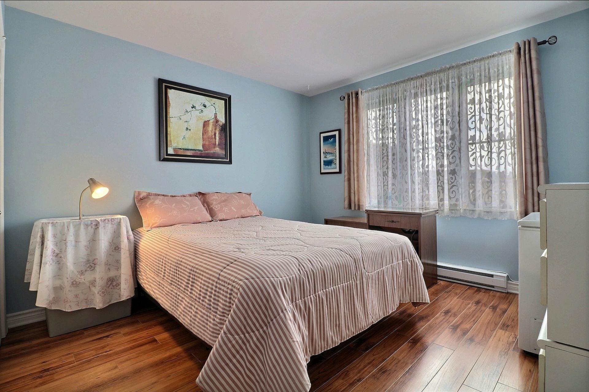 image 17 - Appartement À vendre Laval Fabreville  - 6 pièces