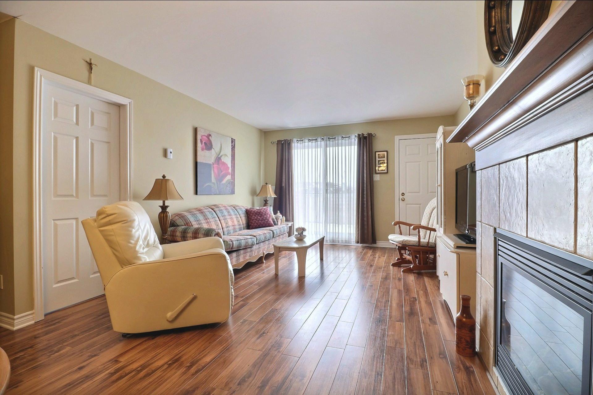 image 6 - Appartement À vendre Laval Fabreville  - 6 pièces
