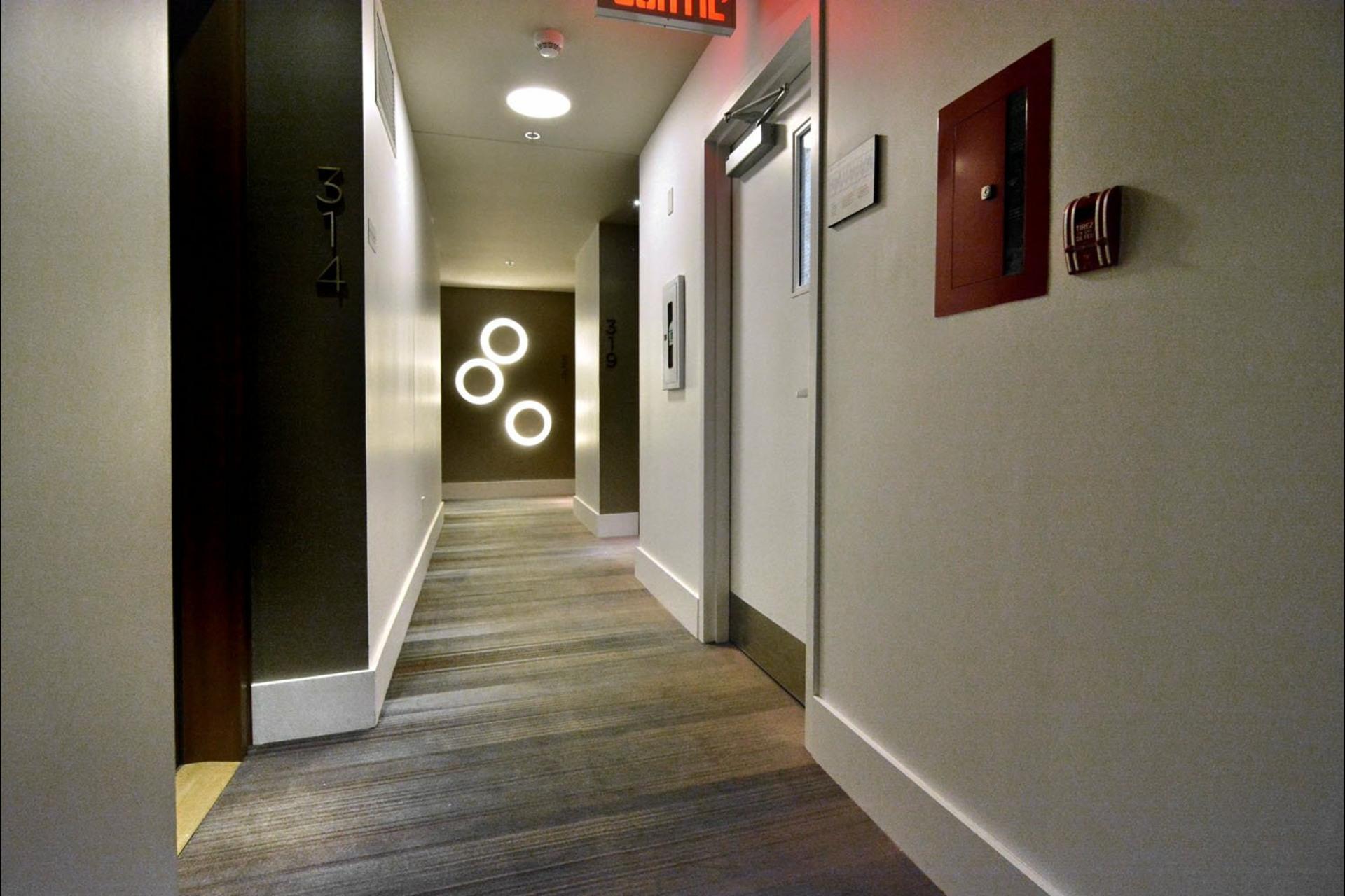 image 17 - Appartement À vendre Montréal Le Sud-Ouest  - 8 pièces