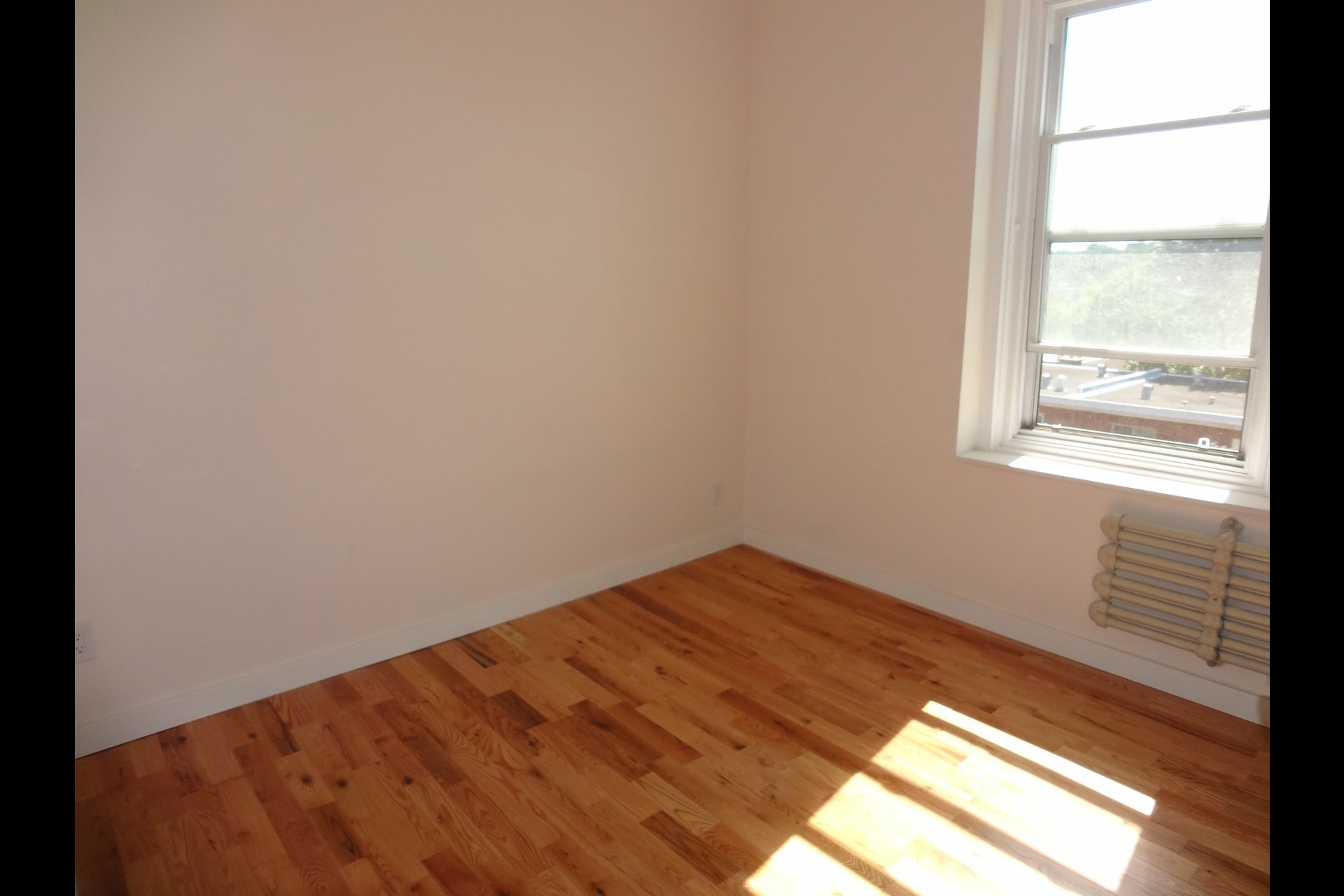 image 4 - Apartment For rent Westmount - 4 rooms