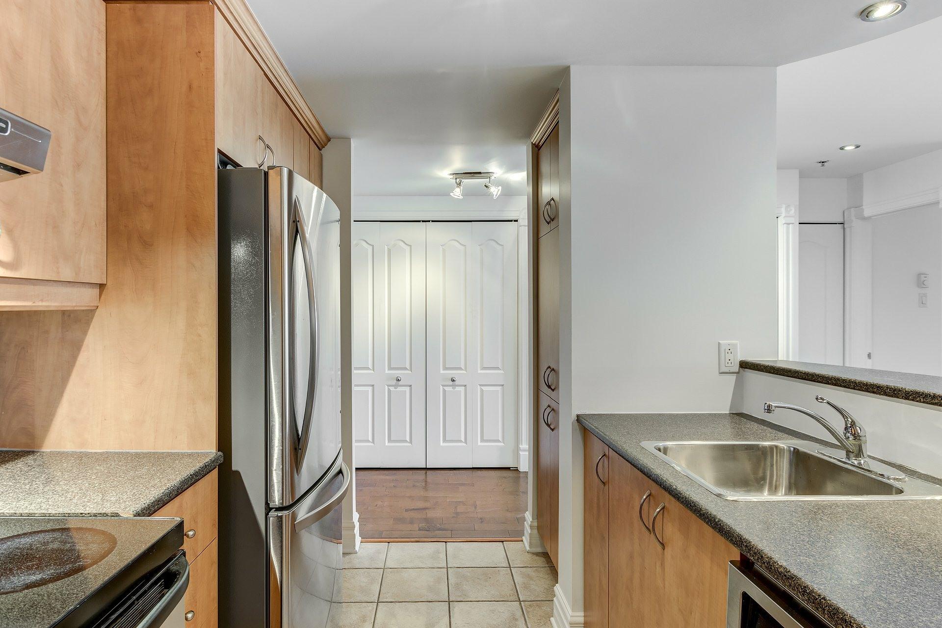 image 9 - Appartement À vendre Montréal Ville-Marie  - 4 pièces
