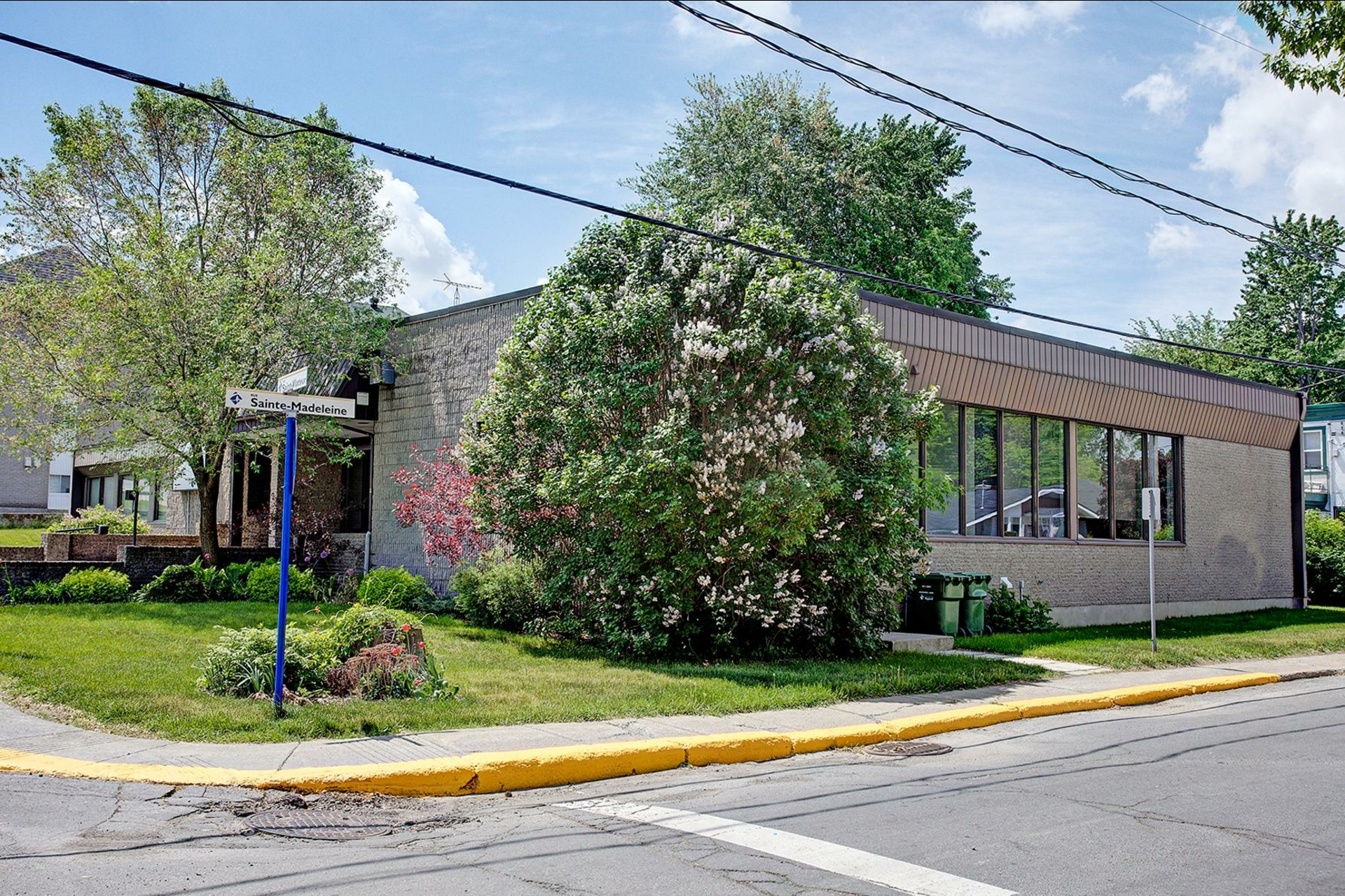 image 1 - Office For rent Rigaud