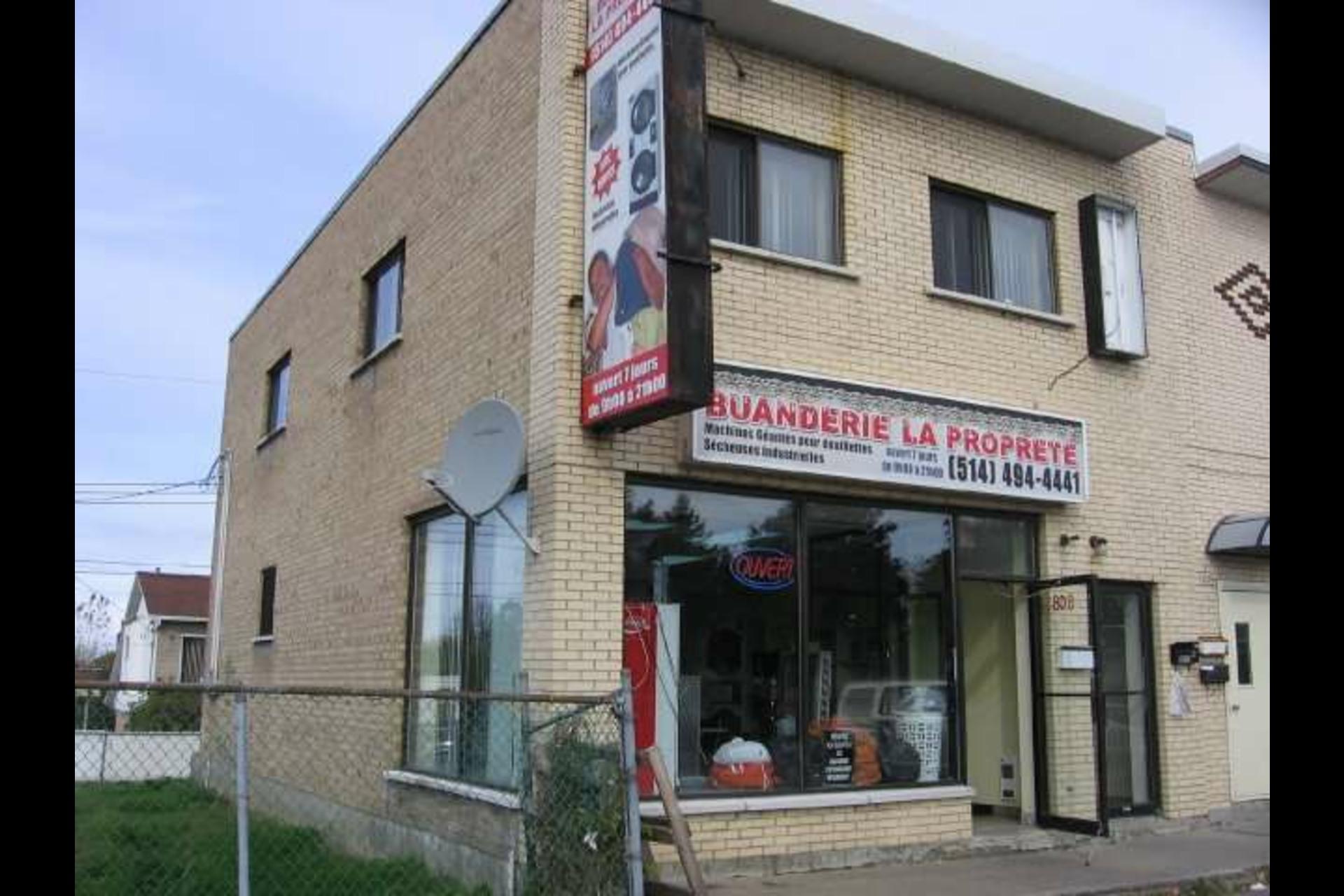 image 0 - Bureau À vendre Montréal Rivière-des-Prairies/Pointe-aux-Trembles