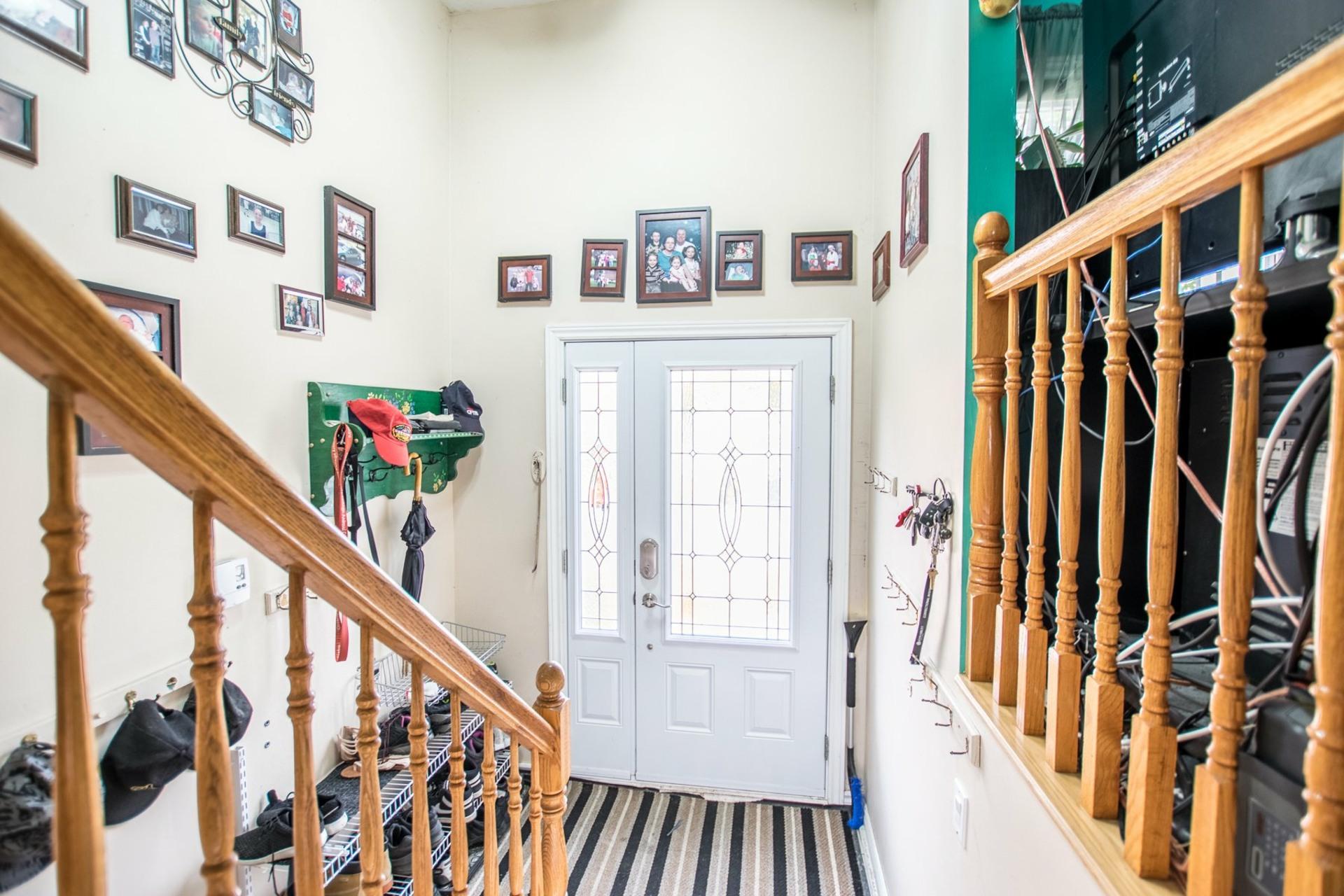 image 1 - Maison À vendre Châteauguay - 12 pièces