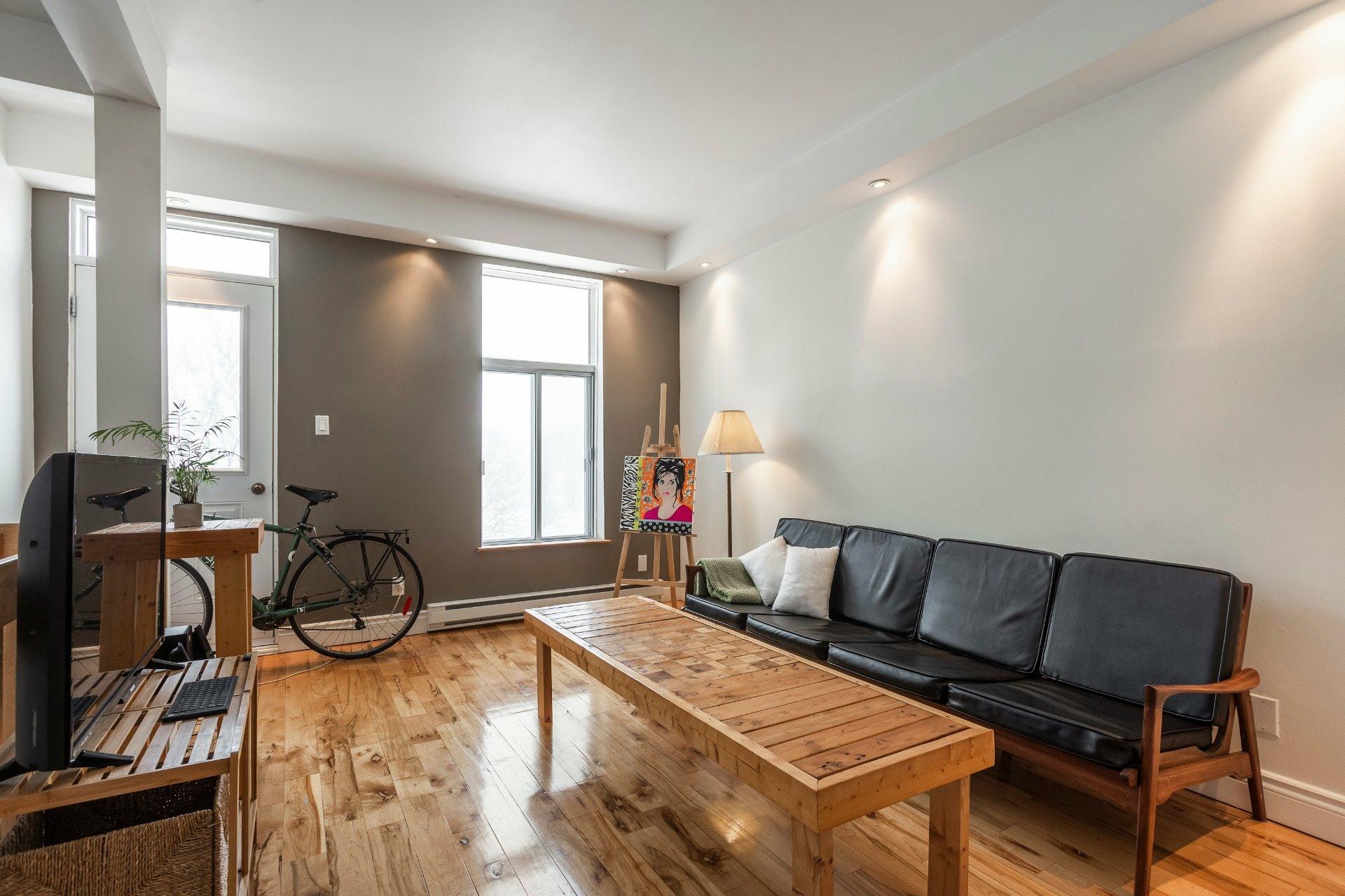 image 2 - Appartement À vendre Montréal Ville-Marie  - 4 pièces