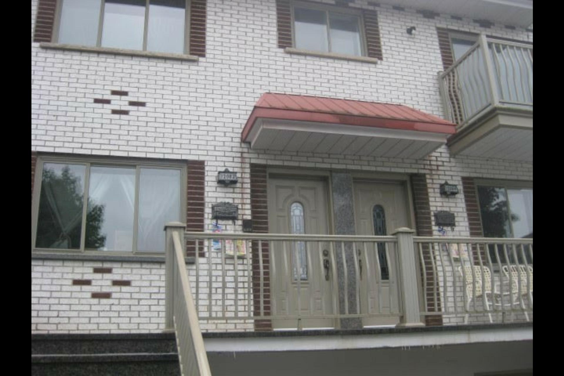 image 0 - Appartement À louer Montréal Rivière-des-Prairies - 5 pièces