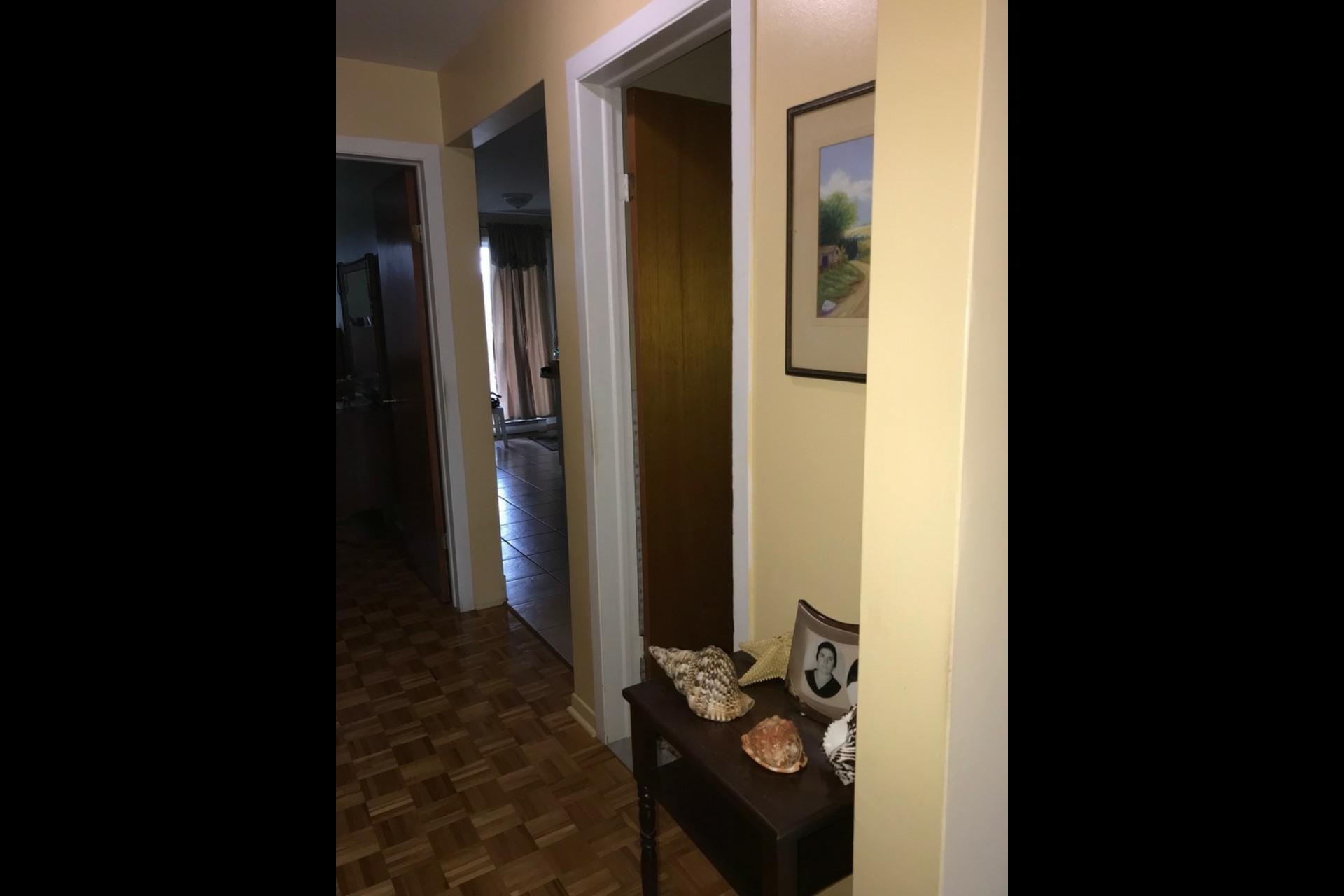 image 3 - Appartement À louer Montréal Mercier-ouest - 4 pièces