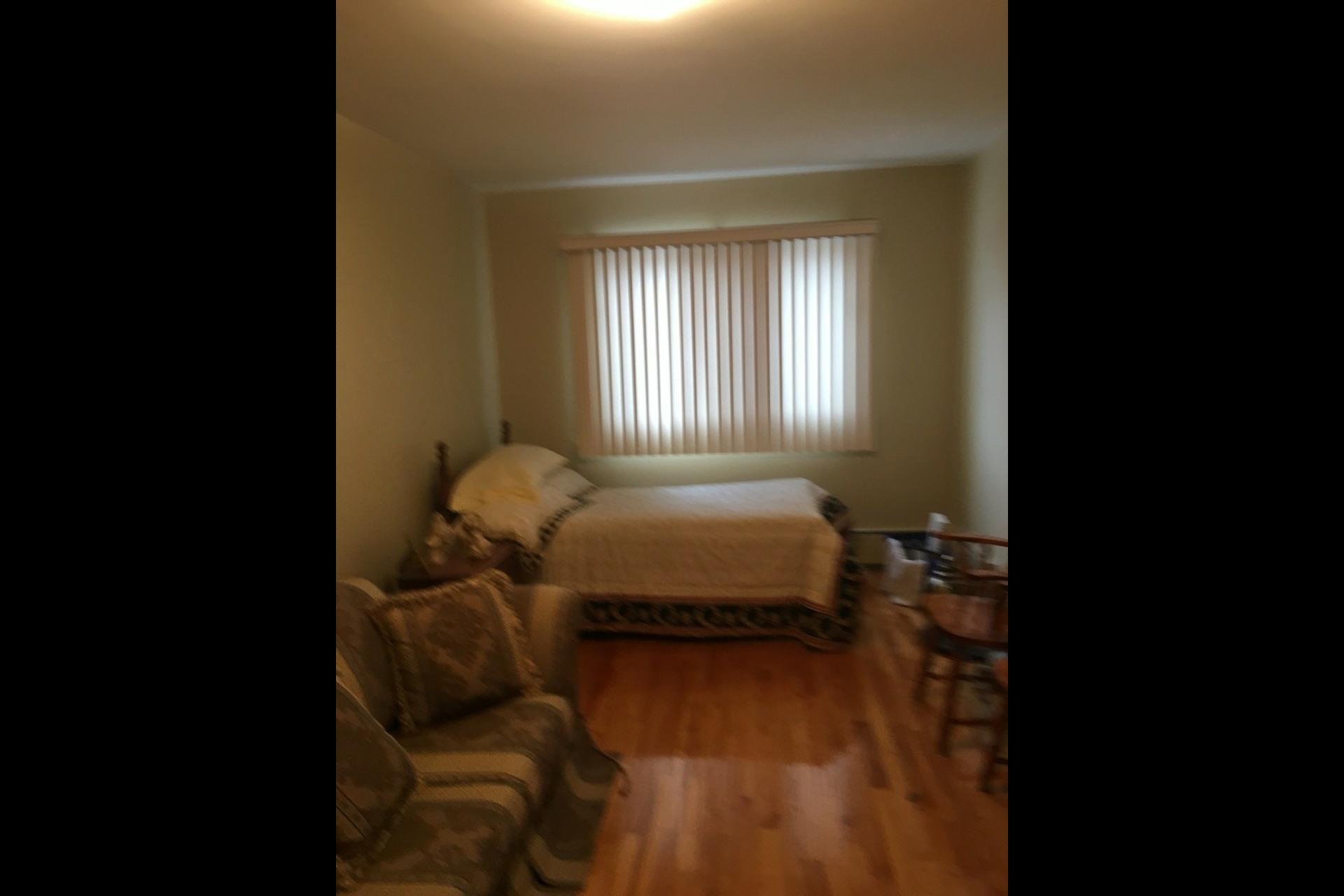 image 11 - Apartment For rent Montréal Saint-Leonard - 5 rooms