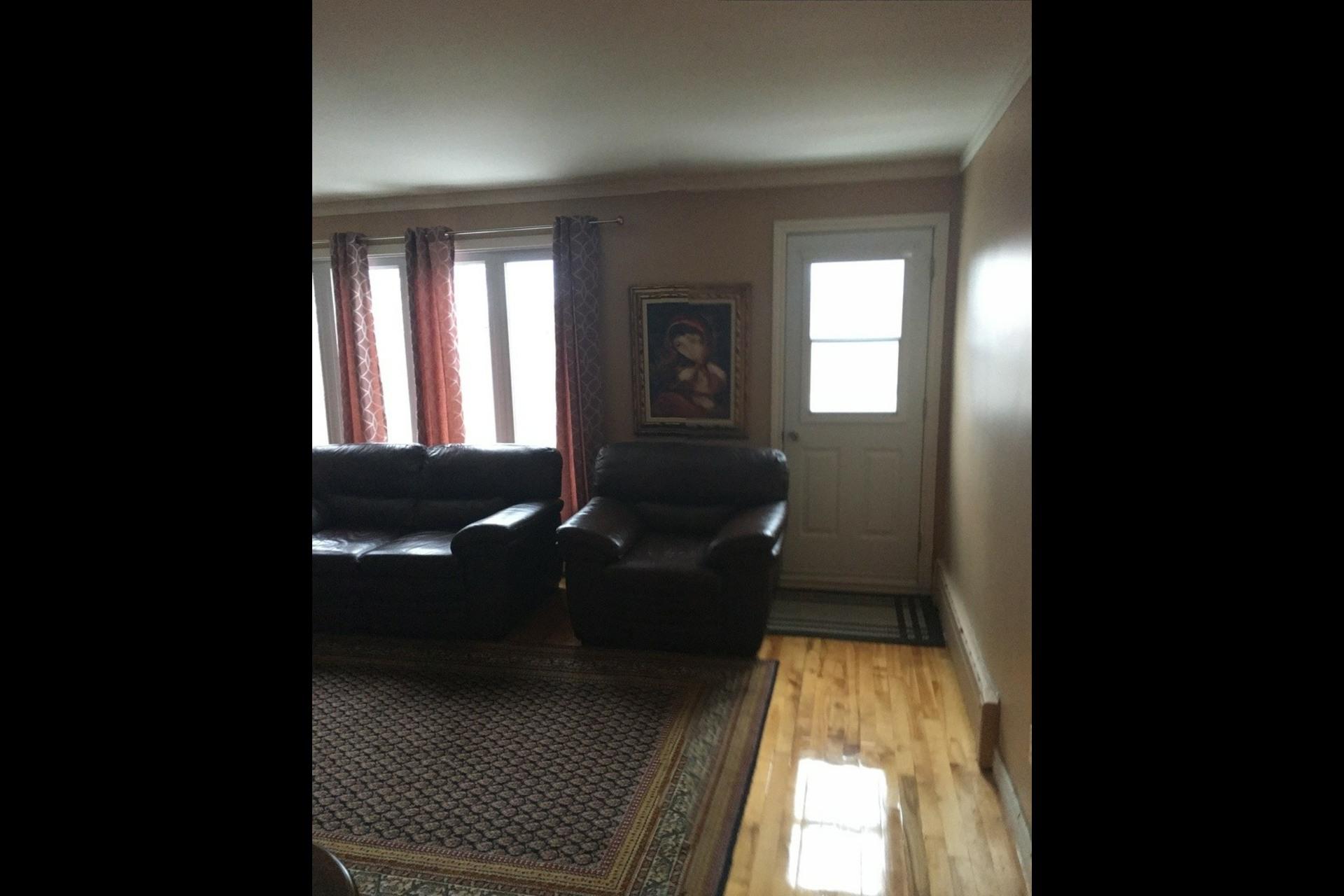 image 6 - Apartment For rent Montréal Saint-Leonard - 5 rooms