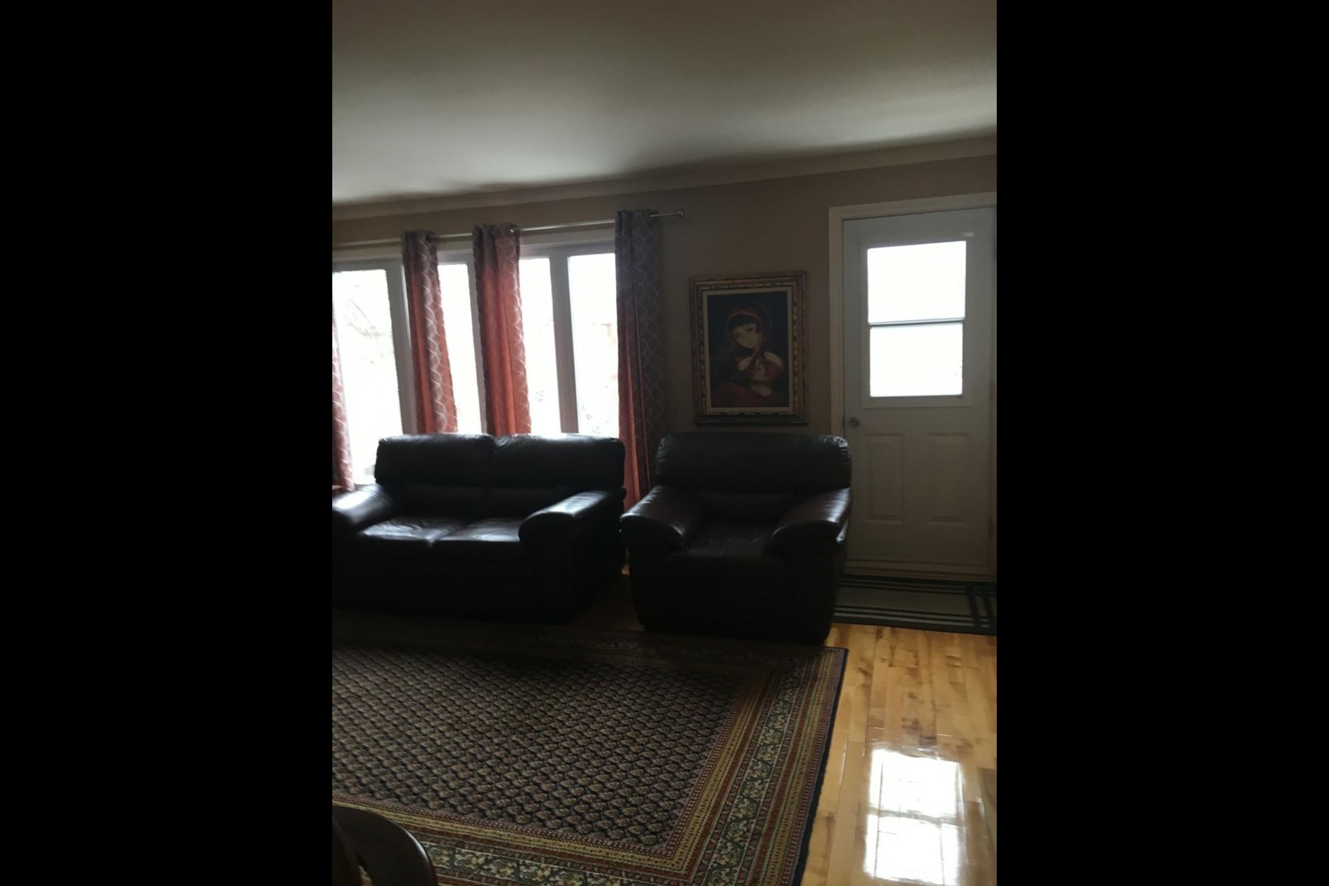 image 7 - Apartment For rent Montréal Saint-Leonard - 5 rooms