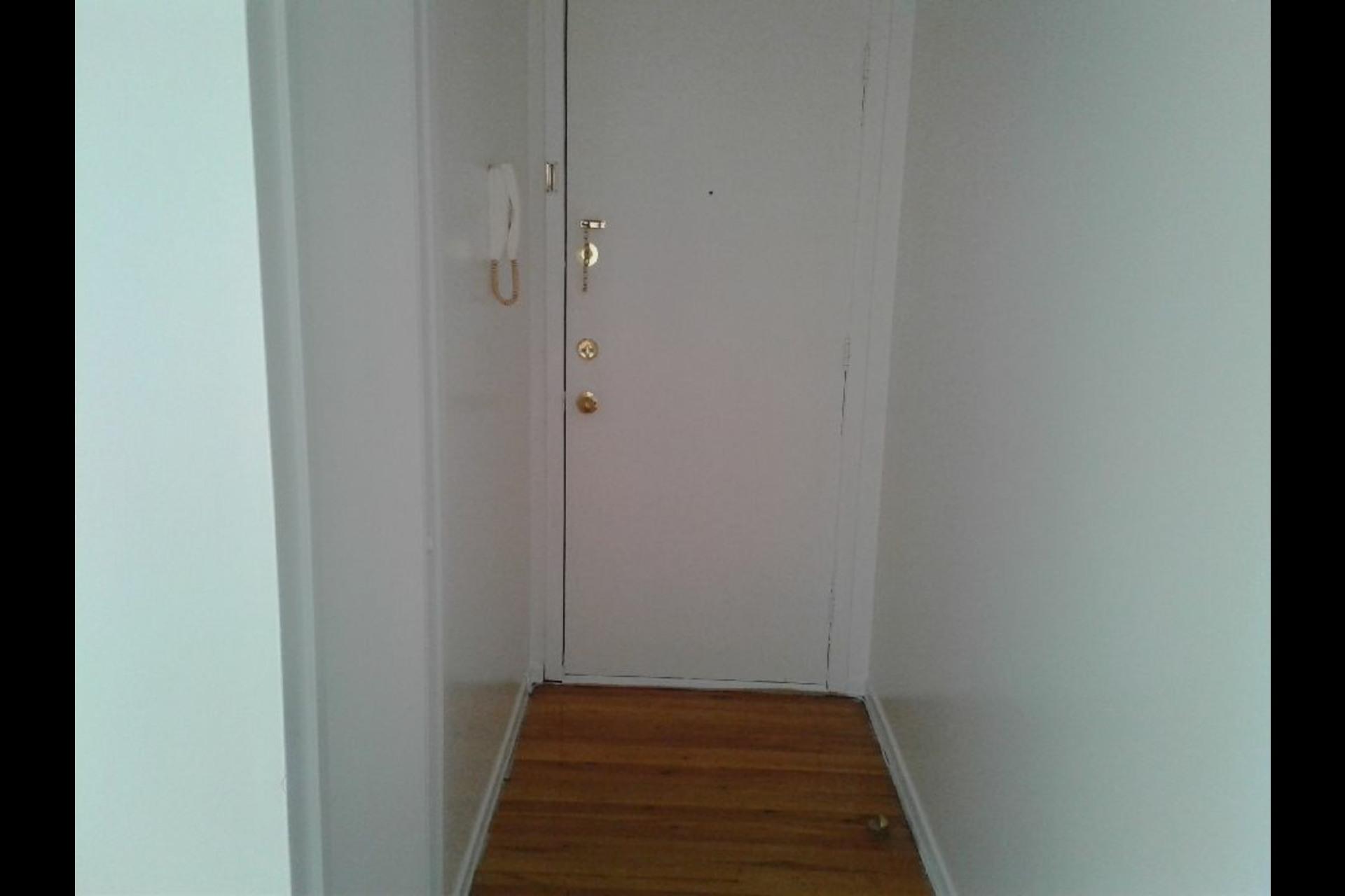 image 5 - Appartement À louer Montréal Montréal-Nord - 4 pièces