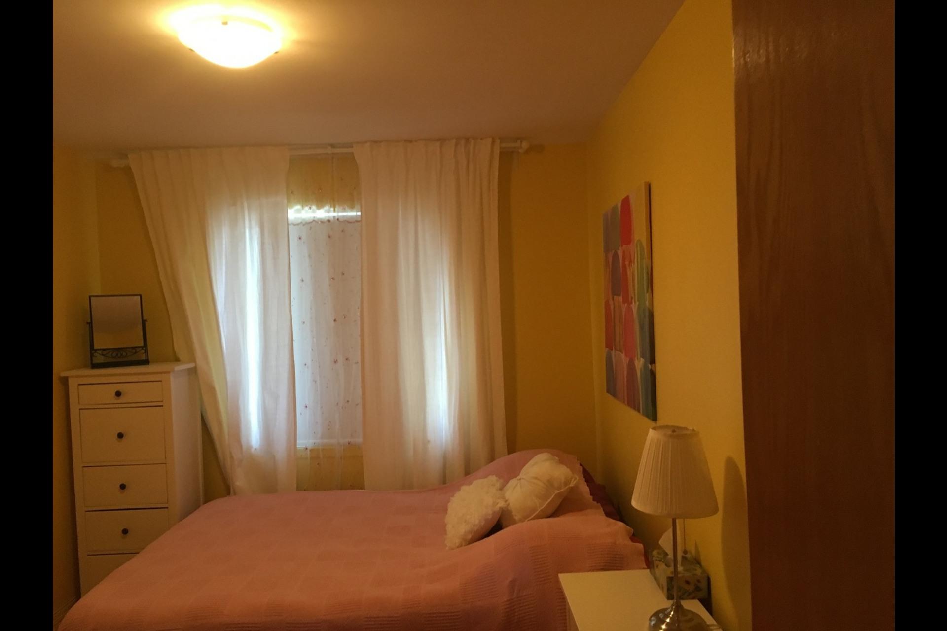 image 7 - Appartement À louer Montréal Saint-Leonard - 5 pièces
