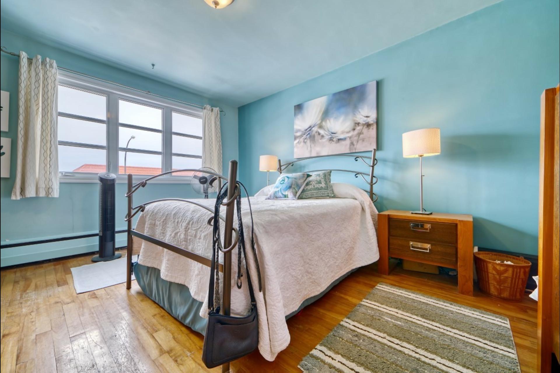 image 1 - Appartement À louer Montréal Saint-Leonard - 5 pièces