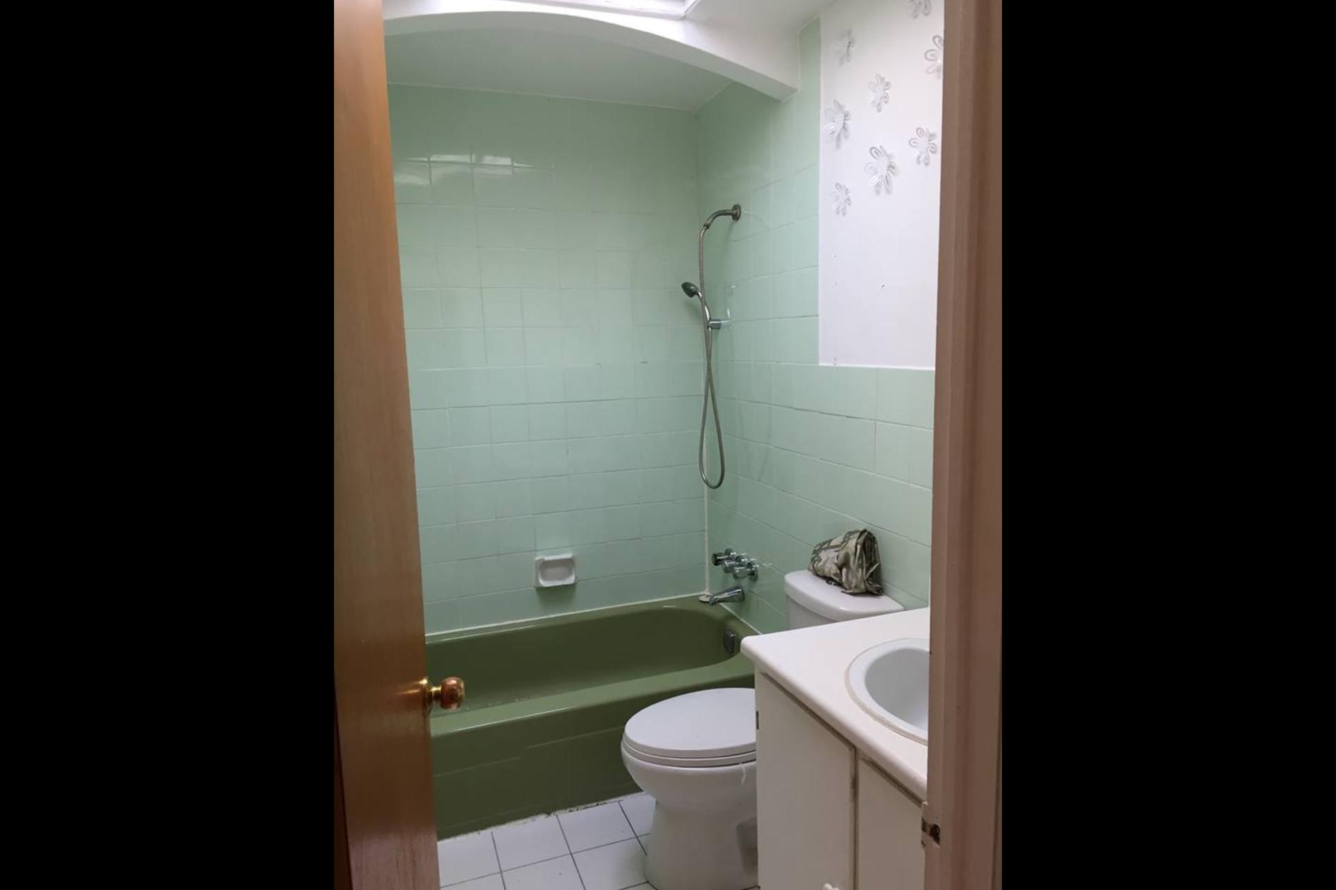 image 5 - Appartement À louer Montréal Saint-Leonard - 4 pièces