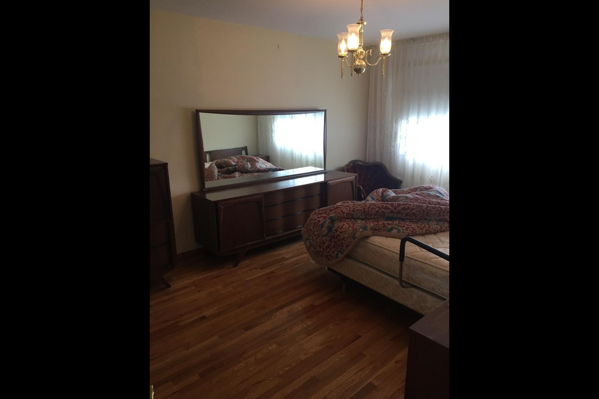 image 2 - Appartement À louer Montréal Saint-Leonard - 6 pièces