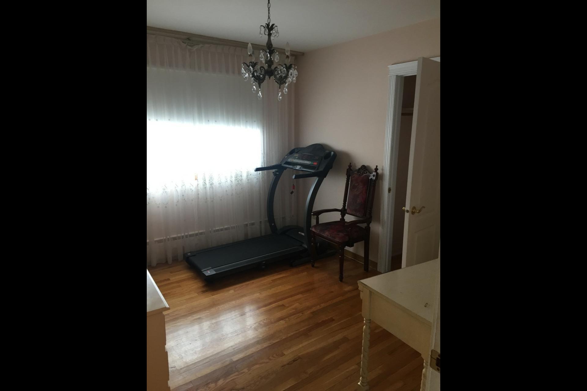 image 7 - Appartement À louer Montréal Saint-Leonard - 6 pièces