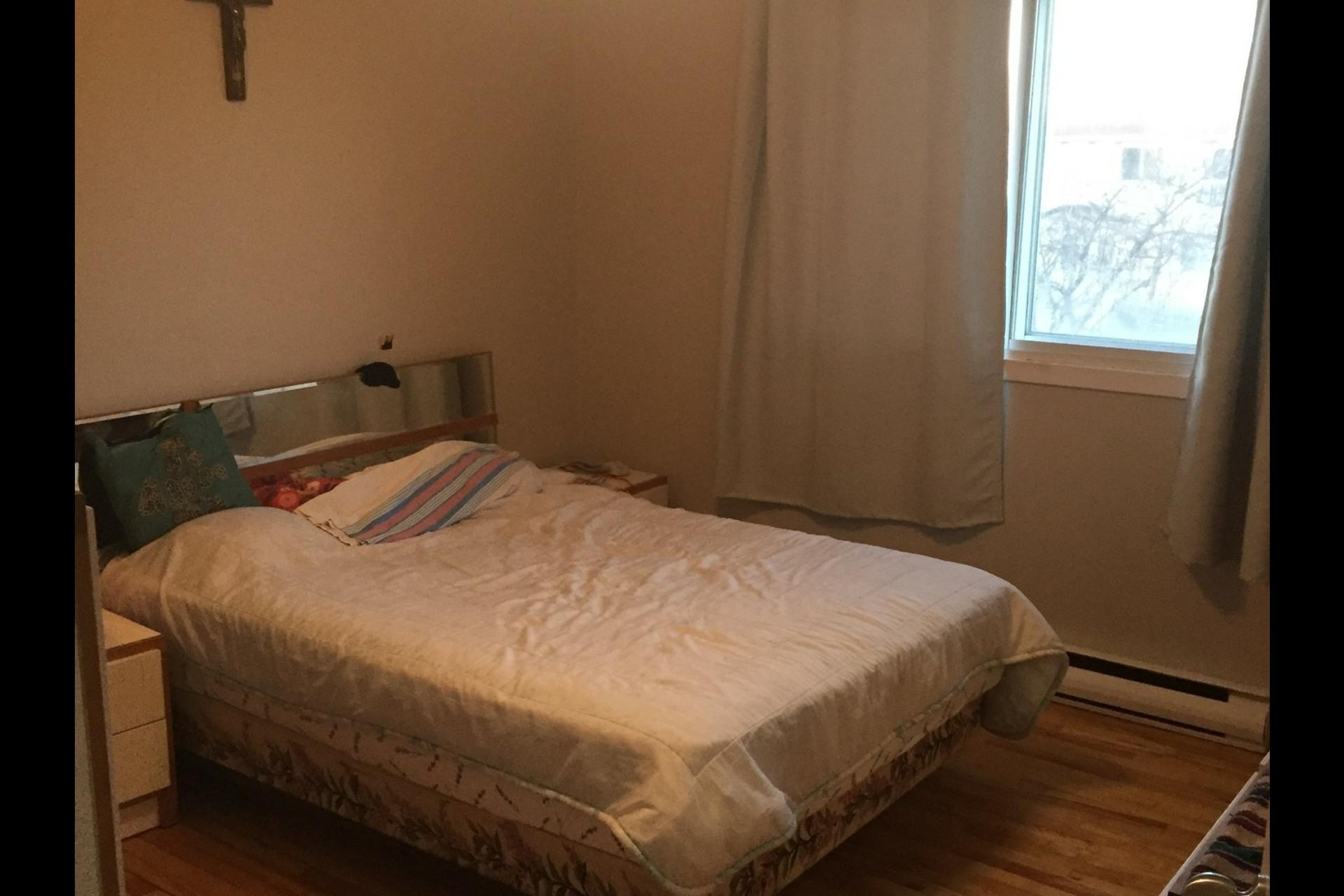 image 0 - Appartement À louer Montréal Rosemont - 4 pièces
