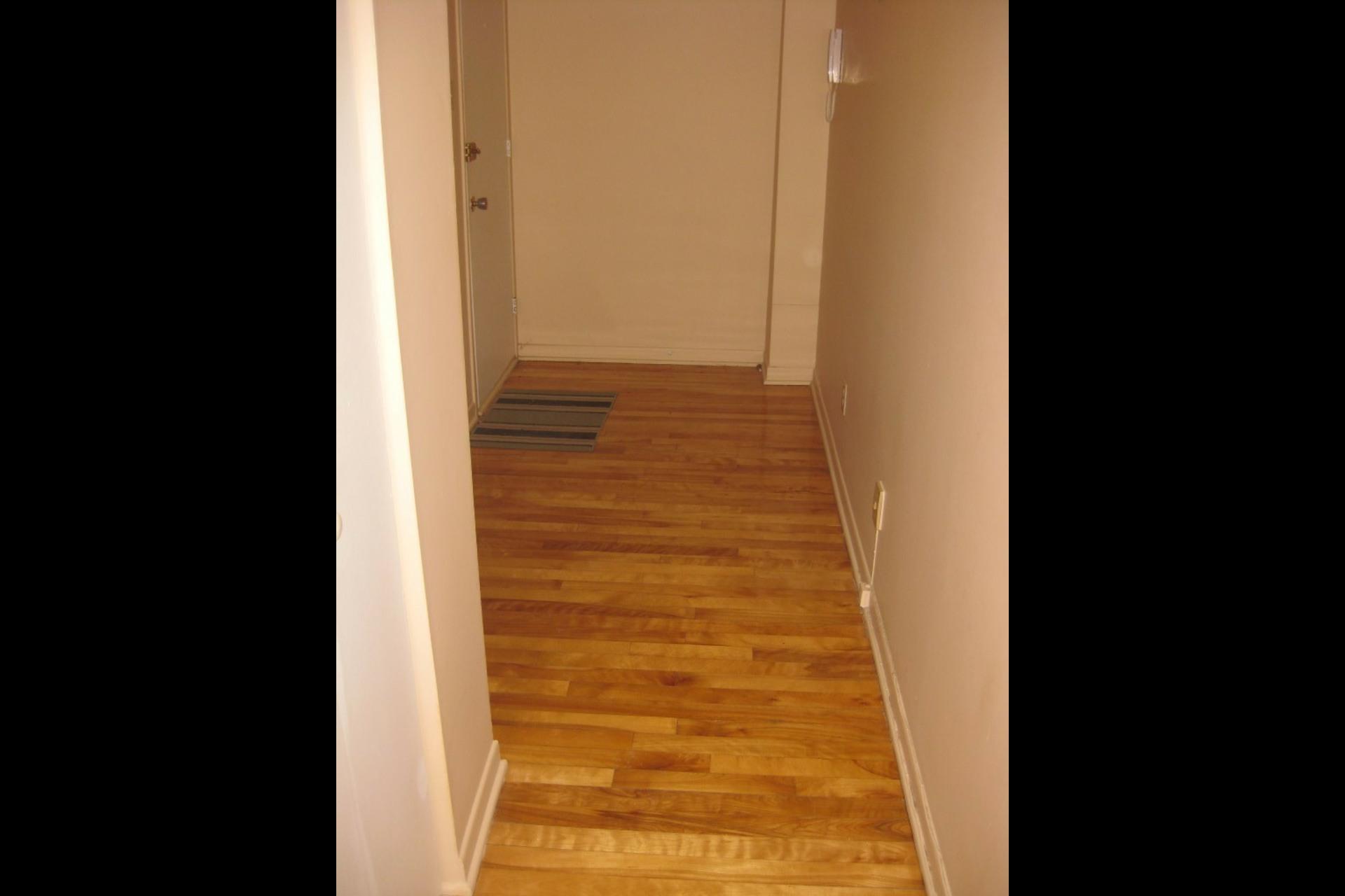 image 1 - Appartement À louer Laval Vimont - 4 pièces