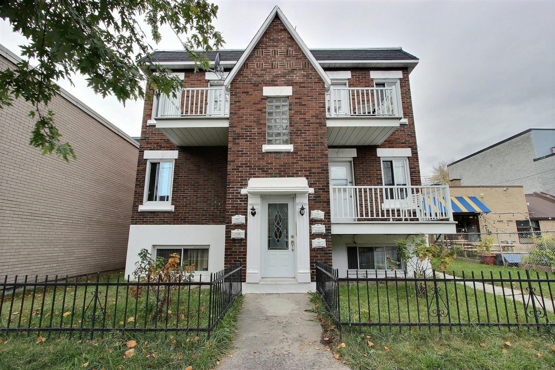 image 2 - Appartement À louer Montréal Tétreauville - 3 pièces