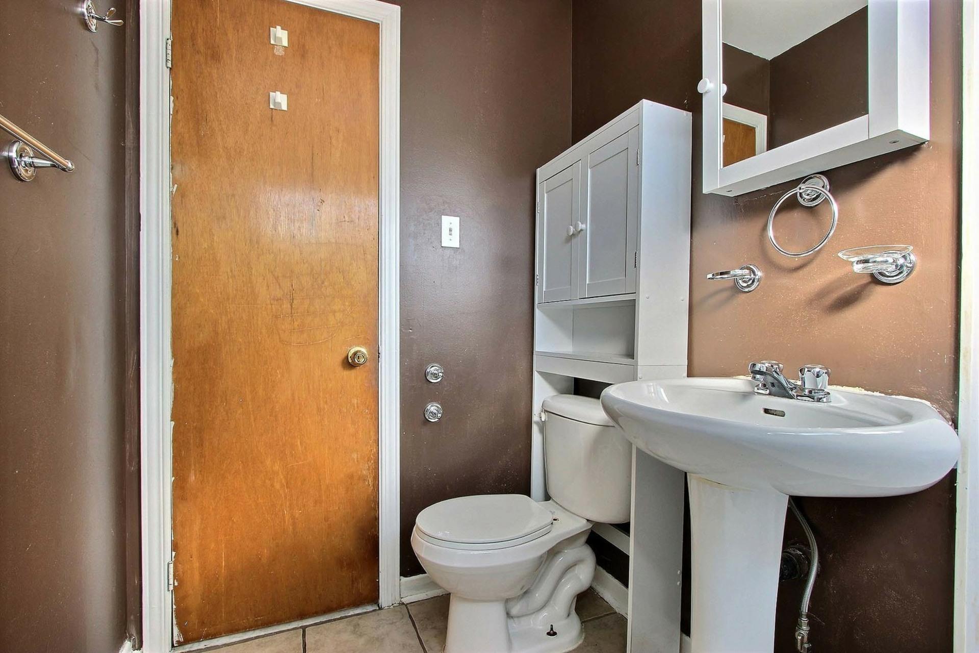 image 11 - Appartement À louer Montréal Pointe-Aux-Trembles - 5 pièces
