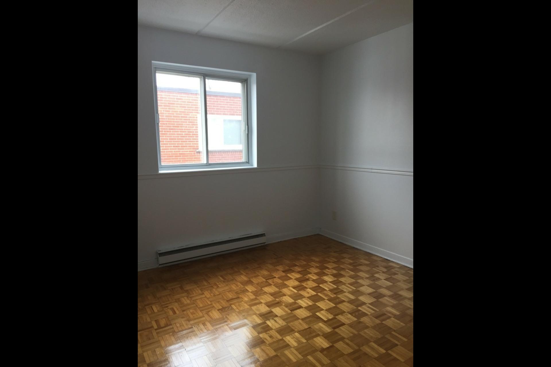 image 4 - Appartement À louer Montréal Montréal-Nord - 4 pièces
