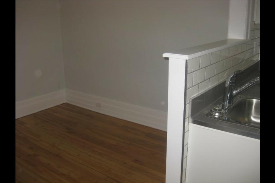 image 6 - Appartamento - In Affitto - Montréal  (Centre-Sud) - 4 stanze