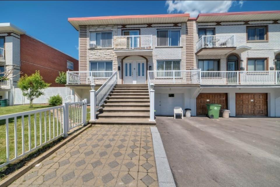 image 0 - Appartamento - In Affitto - Montréal  (Saint-Leonard) - 6 stanze