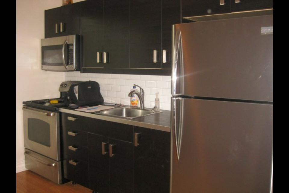 image 3 - Apartment - For rent - Montréal  (Saint-Michel) - 2 rooms