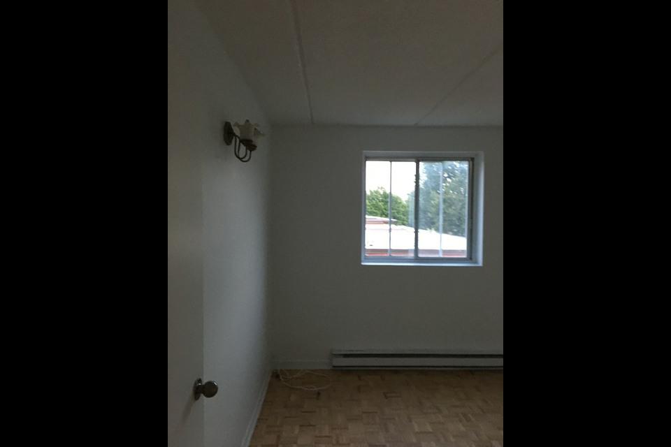 image 4 - Apartment - For rent - Montréal  (Montréal-Nord) - 5 rooms