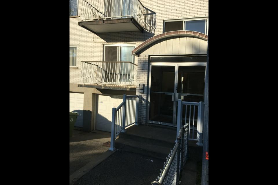 image 0 - Apartment - For rent - Montréal  (Montréal-Nord) - 4 rooms