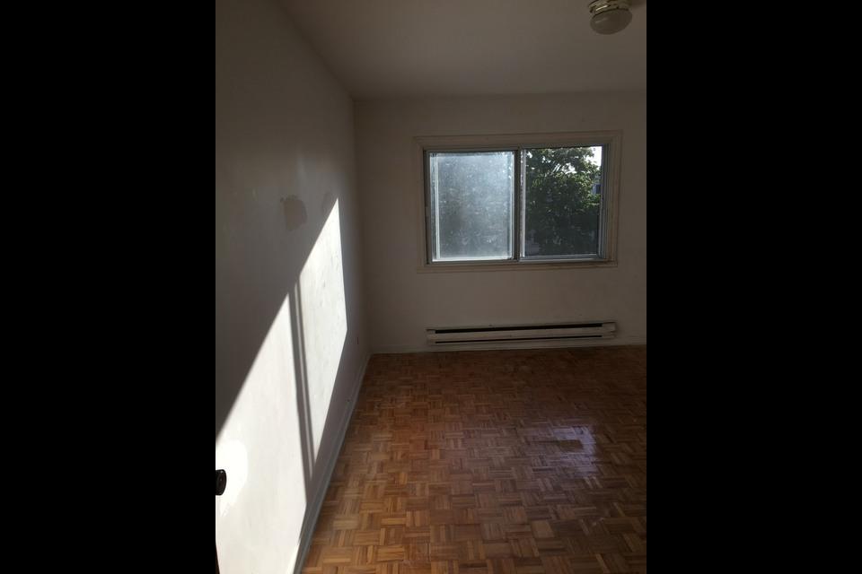 image 1 - Apartment - For rent - Montréal  (Montréal-Nord) - 4 rooms
