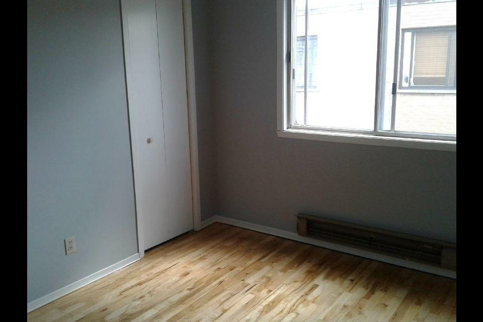 image 8 - Appartement - À louer - Montréal  (Montréal-Nord) - 5 pièces