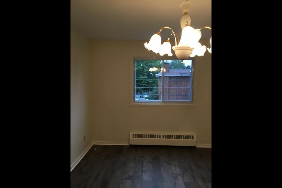 image 2 - Appartement - À louer - Montréal  (Saint-Leonard) - 5 pièces