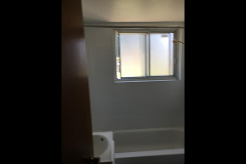 image 1 - Appartement - À louer - Montréal  (Saint-Leonard) - 2 pièces