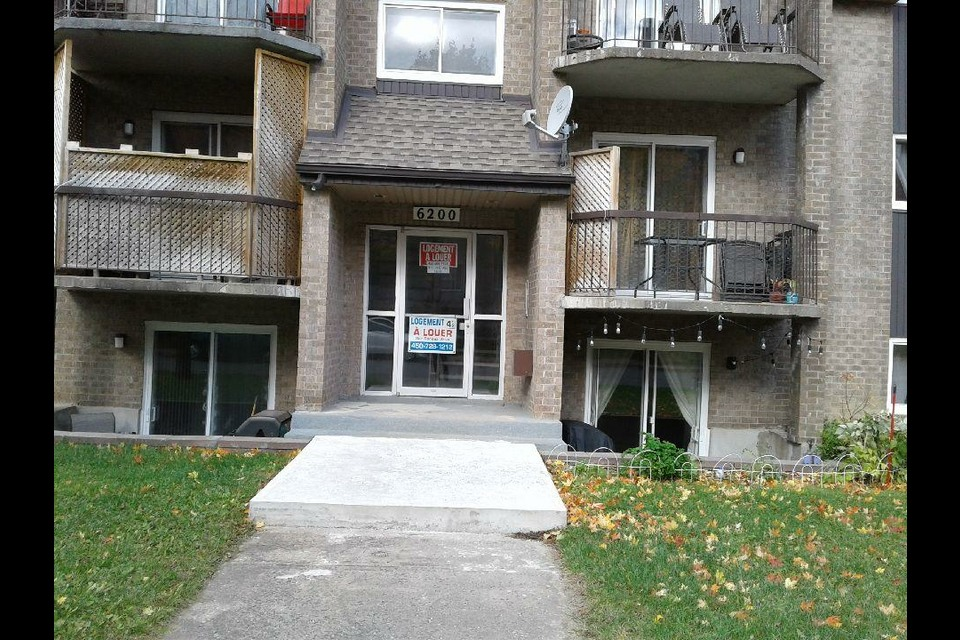 image 0 - Apartment - For rent - Laval   - 4 rooms