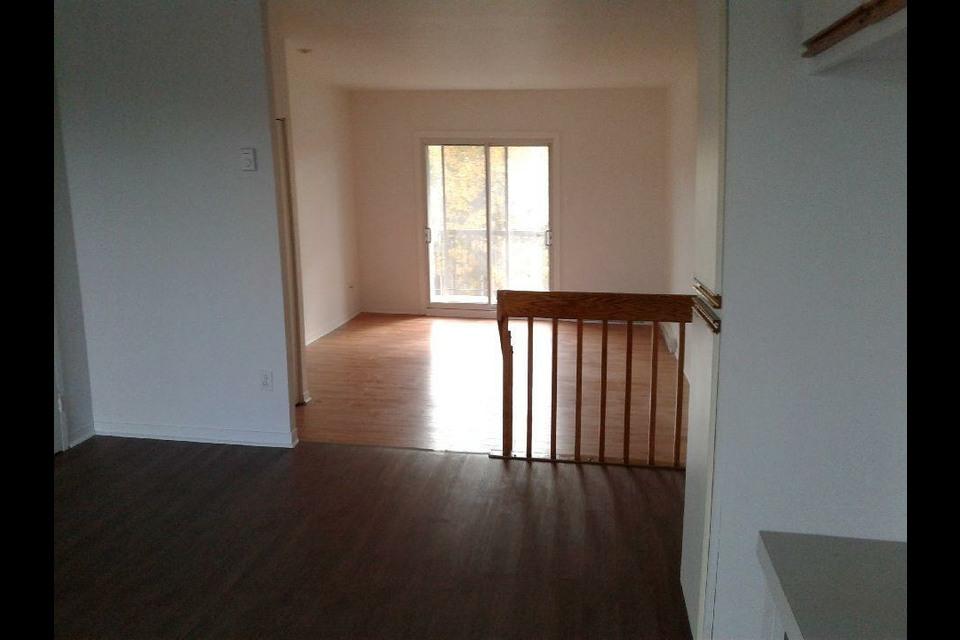 image 3 - Appartement - À louer - Laval   - 4 pièces