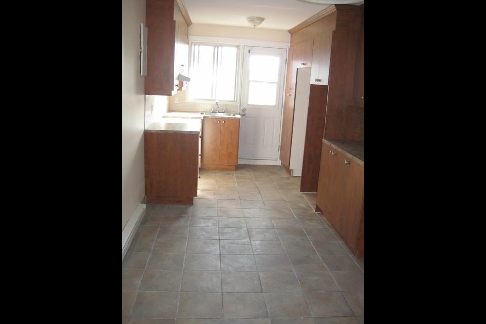 image 1 - Appartement - À louer - Montréal  (Saint-Leonard) - 3 pièces
