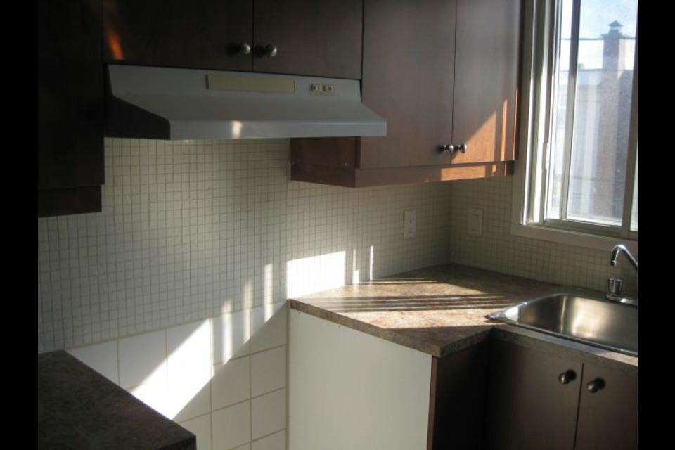 image 3 - Appartement - À louer - Montréal  (Saint-Leonard) - 3 pièces