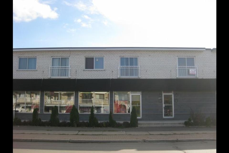 image 0 - Appartement - À louer - Montréal  (Saint-Leonard) - 3 pièces