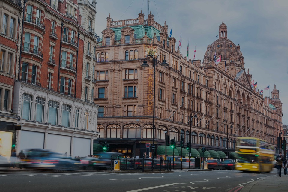 Knightsbridge, the luxury real estate hotspot in London - United Kingdom